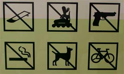 skateboards, inliner, waffen, kippen, hunde, fahrräder