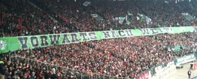 Vorwärts nach weit. Hannover 96-Fans zitieren Kurt Schwitters