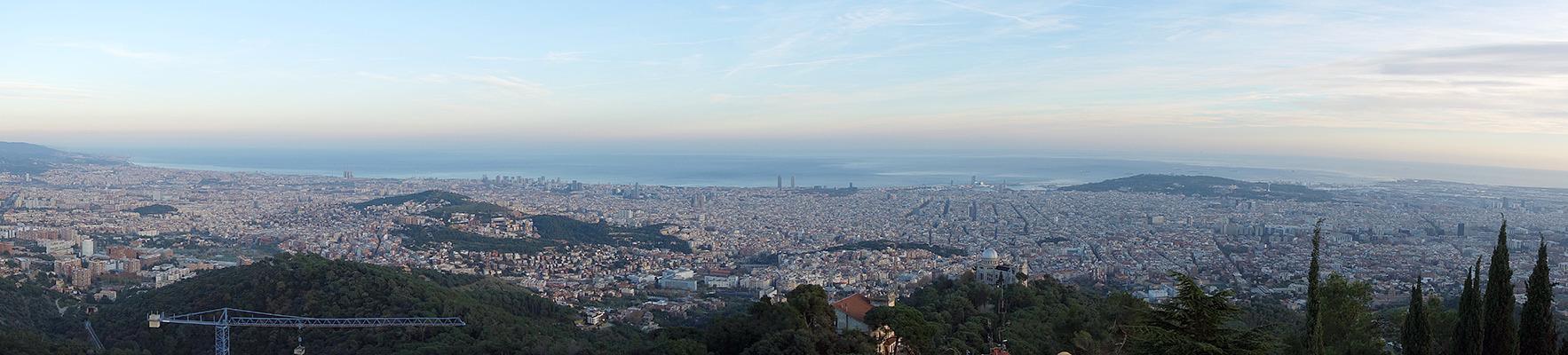 barcelona vom tibidabo (520 m) aus