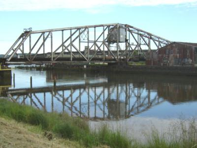 Train bridge over the Wishkah River