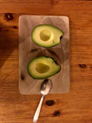 (I had the chance to experience - and notice - a perfect avovado the other day. Rare and pleasant!)