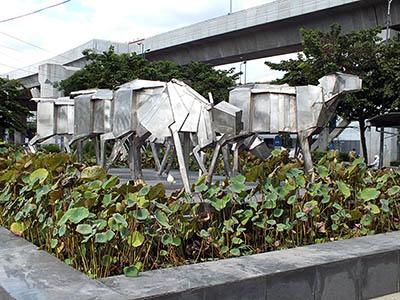 Thanon Sukhumvit x Bang Na-Trad - Bang Na - Bangkok - 24 August 2011 - 14:44