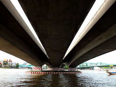 Phra Pokklao Bridge - Chao Phraya - Bangkok - 3 September 2011 - 8:02
