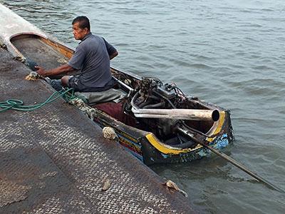 Bang Na Pier - Bangkok - 11 February 2013 - 7:54
