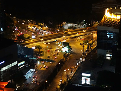 Thanon Sathon x Thanon Rama IV - Bangrak - Bangkok - 7 June 2013 - 21:40