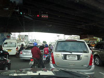 Thanon Rama IV - onramp to Expressway - Khlong Toei - Bangkok - 1 August 2013 - 7:40