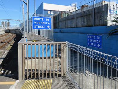 Portage Road - New Lynn - Auckland - New Zealand - 17 September 2015 - 10:23