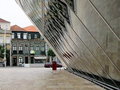 Casa da Musica - Avenida da Boavista - Porto - Portugal - 18 September 2018 - 7:55