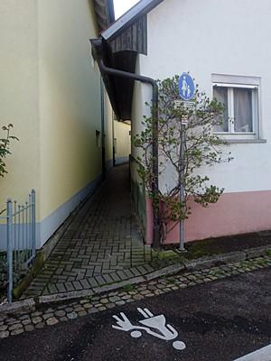 Blumeneckstrasse - Freiburg-Waltershofen - 5 April 2019 - 08:42