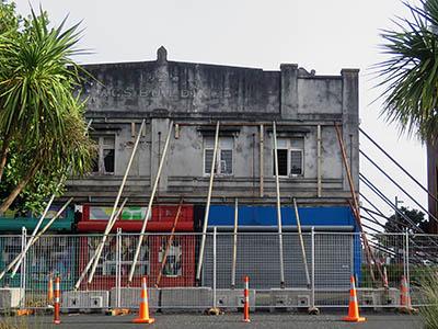 Totara Ave - New Lynn - Auckland - New Zealand - 14 February 2020 - 08:16