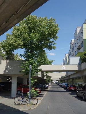 Rainer Oefelein und Bernhard Freund: High-Deck-Siedlung, Berlin-Neukölln 1975-84