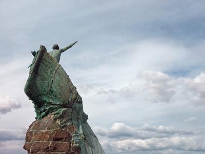 Monument aux héros et victimes de la mer (André Alexandre Verdilhan, 1923)
