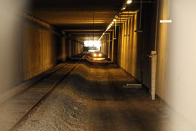 tunnel am flughafenbahnhof
