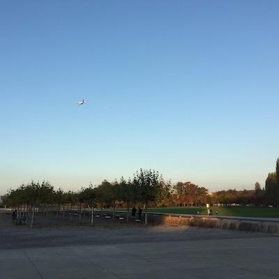 flieger im park