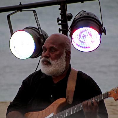 The Band - Kama Lounge - InterContinental Resort - Natadola - Fiji Islands - 5 December 2010 - 19:36