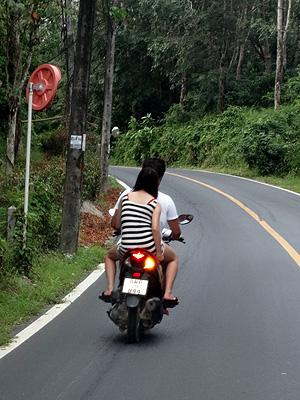 Layan - Thalang - Phuket - 7 November 2013 - 17:24