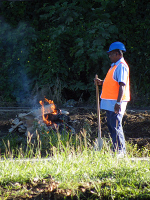 Bypass Road - Nadi - Viti Levu - Fiji Islands - 8 June 2011 - 13:20