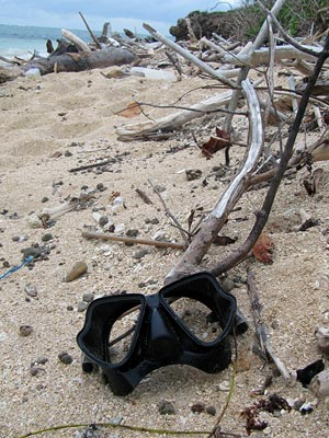 Darth Vader's last dive - Natadola Beach - Fiji Islands - 19 November 2010 - 18:23