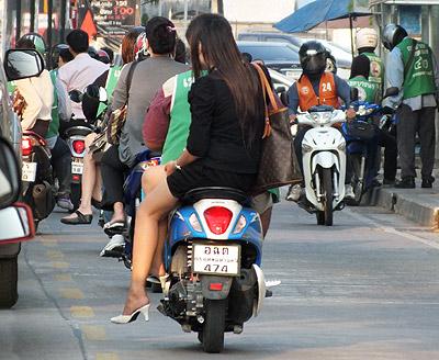 Lasalle Soi 105 - Bang Na - Bangkok - 12 December 2012 - 7:40