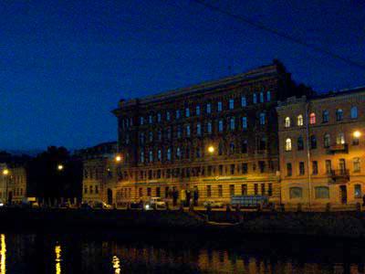 Fontanka bei Nacht um 2:00 Uhr