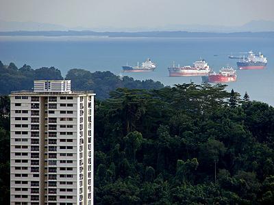 Singapore Strait - Singapore - 2 December 2006 - 16:58