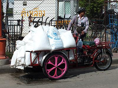 Thanon Song Wat - Samphanthawong - Bangkok - 31 August 2011 - 9:02