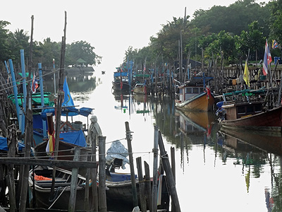 Thanon Bang Yai - Saphan Hin - Phuket - 12 October 2013 - 6:54