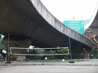 Sirat Expressway - Mahesak Soi 3 - Suriya Wong - Bang Rak - Bangkok - 12 April 2011 - 7:08