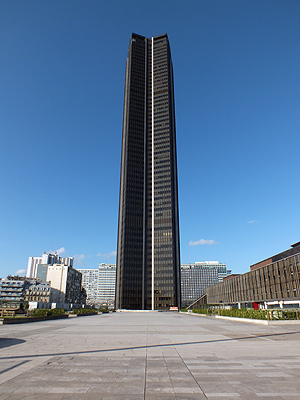 Tour Montparnasse - Paris - 16 April 2012 - 9:03