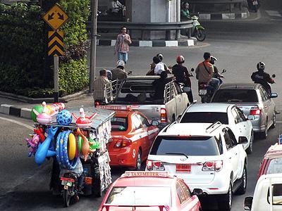 Thanon Sanphawut x Thanon Sukhumvit - Bang Na - Bangkok - 12 February 2013 - 8:52
