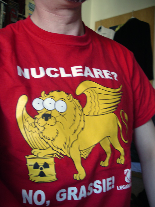 »Nucleare? No, Grassia!«-T-Shirt der ›Legambiente‹ Italiens.