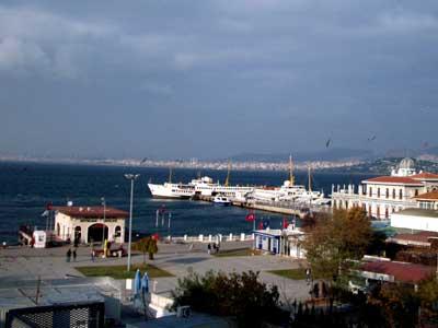 Hafen von Büyükada, Princes Islands / Istanbul