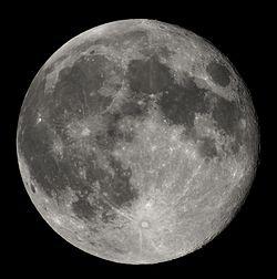 weisser, runder Mond