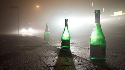 Drei Flaschen am Wegesrand