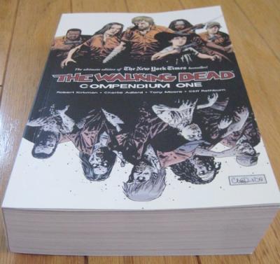 The Walking Dead - Page 2 Walking-dead-compendium