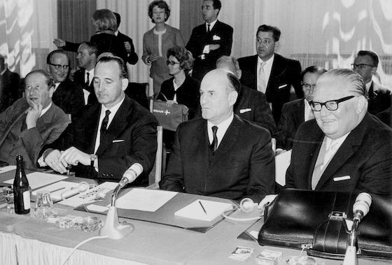 Bruno Kreisky, Karl Schleinzer, Josef Klaus und Bruno Pittermann auf einem EFTA-Gipfel
