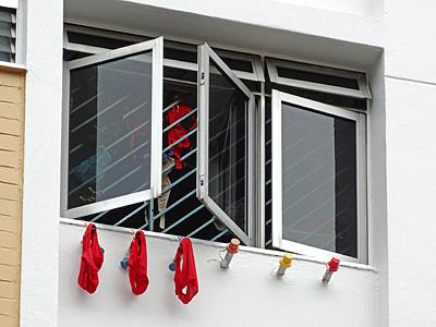 Block 936 - Tampines Avenue 5 - Singapore - 3 March 2013 - 15:15